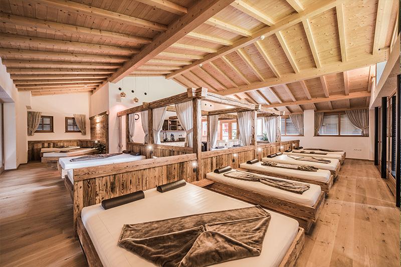 Ruheraum, Lese- und Relax-Raum im Wellnessbereich des Südtiroler Wellness- und Familienhotel Stoll