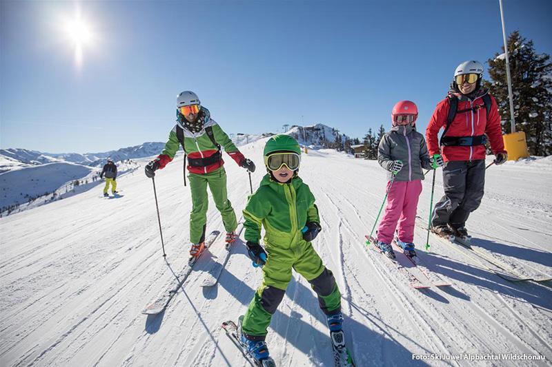 Familienskiurlaub im Ski Juwel