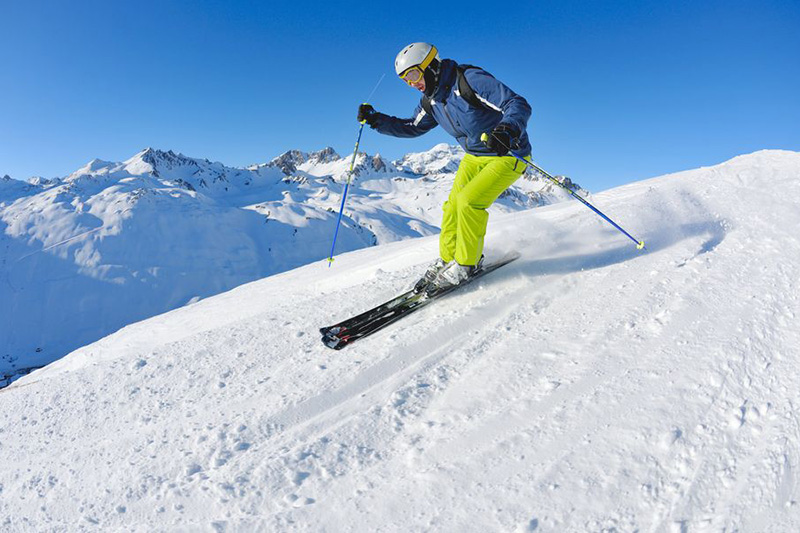 Ein gratis Ski Bus bring Sie zu den berühmtesten Wintersportorten Südtirols