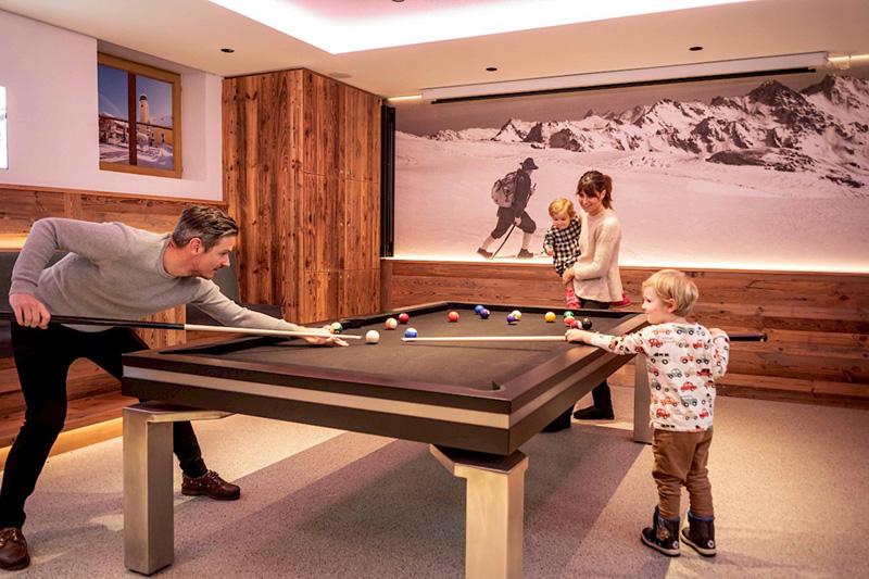 Hier hast Du auch die Möglichkeit mit deiner Familie oder Freunden Billiard zu spielen