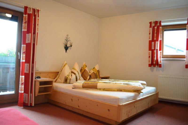 Wohnung 03 - Schlafzimmer