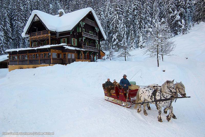 Romantische Pferdeschlittenfahrten durch verschneite Seitentäler