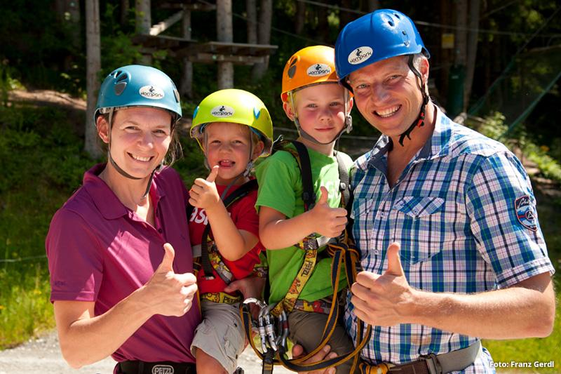 Abenteuer- und  Kletterspaß für die gesamte Familie mit Kindern ab 3 Jahre bietet der Kletterwald Hornpark