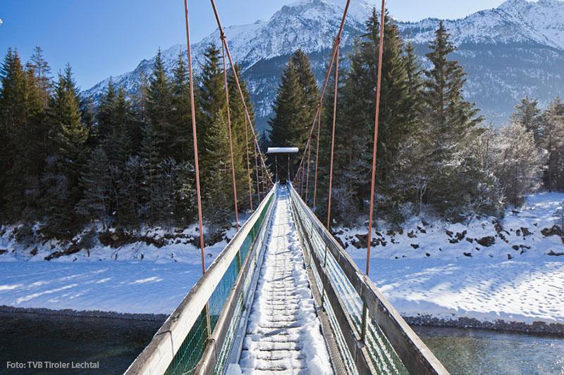 Lechweg Hängebrücke Holzgau im Winter