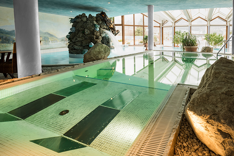 Wellnesshotel mit großer Badelandschaft