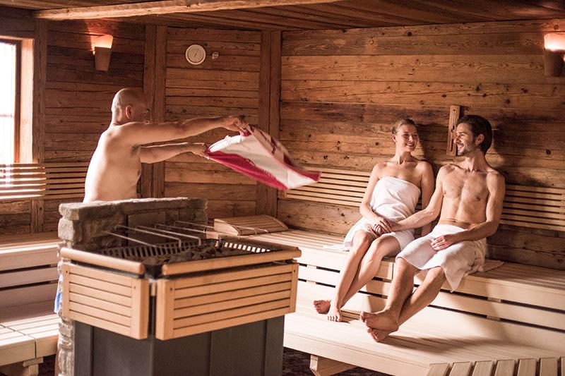 Entspanne in der Waldhof Saunawelt