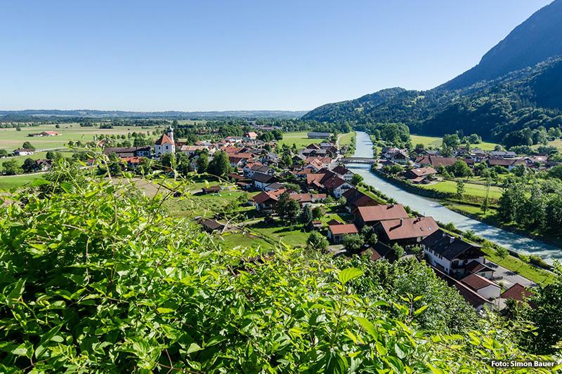 Blick über Eschenlohe Richtung Ohlstadt