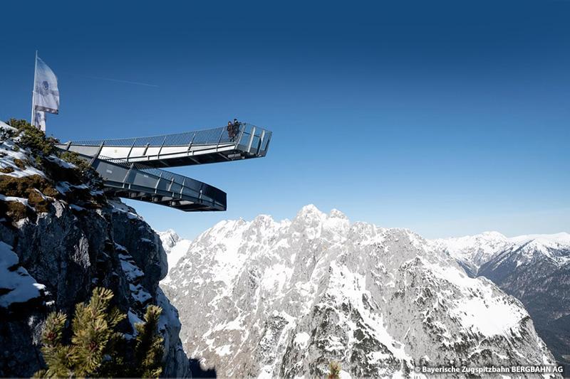 Aussichtsplattform AlpspiX (19 km, 29 Minuten von Eschenlohe zur Alpspitzbahn)