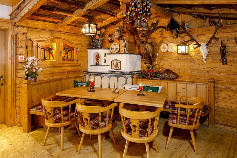 Originale Tiroler Gasthäuser findest Du heutzutage nicht mehr viele, wohlaber im Hotel Edelweiss in Hochfilzen!