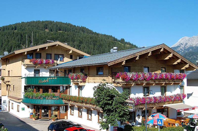 Sommerurlaub in Tirol macht man im Hotel Edelweiss in Hochfilzen