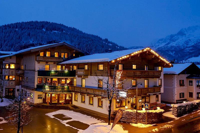 Für den Winterurlaub in Tirol hat das Hotel Edelweiss in Hochfilzen eine ausgesprochene Top-Lage!