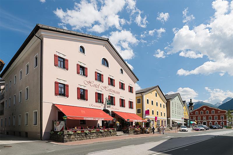 Sommerurlaub im 3-Sterne Superior Hotel Heitzmann - direkt am Stadtplatz von Mittersill