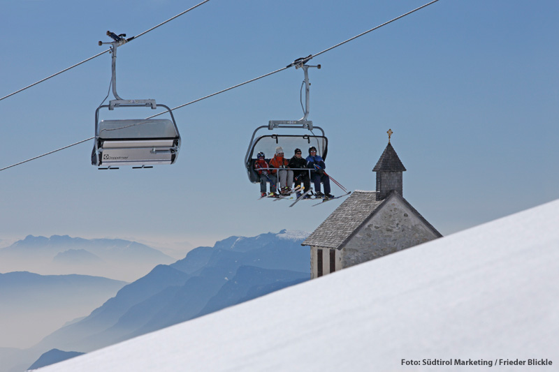Winterurlaub in Südtirol: Oberhalb von Meran liegt das Familienskigebiet Meran 2000