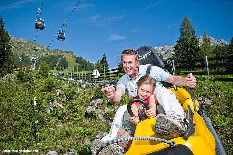 Längste Sommerrodelbahn (3,5 km) der Alpen: Alpine Coaster in Imst