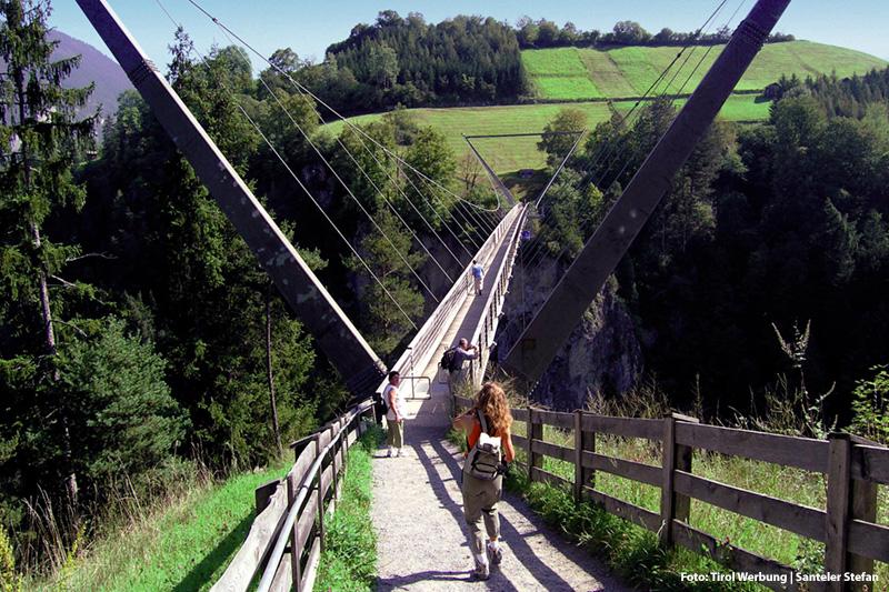 Benni-Raich-Fußgängerhängebrücke (94 m Höhe) - einen Besuch wert nur 15 Gehminuten vom Hotel aus