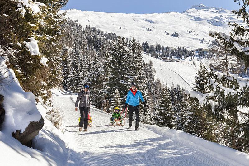 6 km lange Rodelbahn im Familienskigebiet Hochzeiger