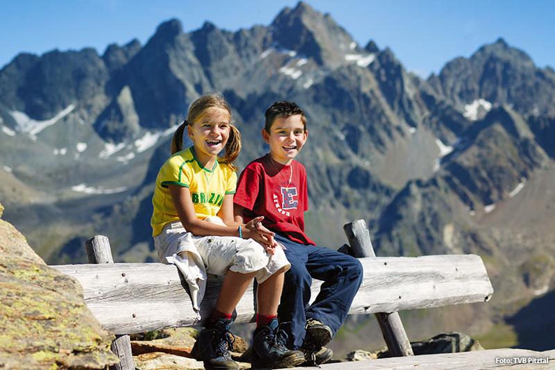 Familienfreundliche Angebote, Kinderermäßigungen bei den Bergbahnen, Pitzi's Kinderclub – das Pitztal ist auf Sommerurlaub mit Kindern eingestellt