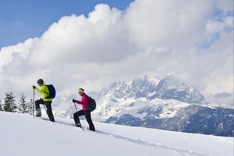 Schneeschuhwandern ist mittlerweile im Wintersport einer der Top5 Trendsportarten!