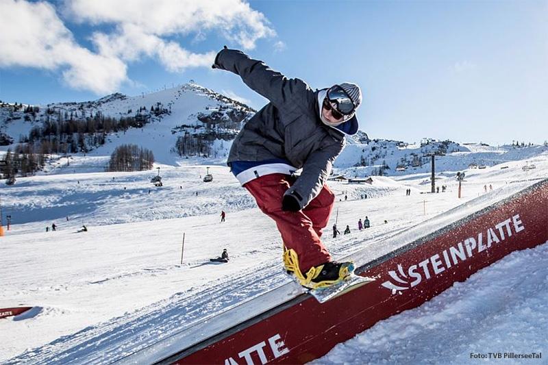 Auf der Steinplatte in Waidring befindet sich selobstverständlich auch ein Snowpark für Snowboarder