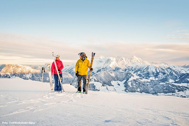 Die Bergkulisse der Kitzbüheler Alpen schafft die richtige Hintergrundkulisse zum Skifahren im Pillerseetal