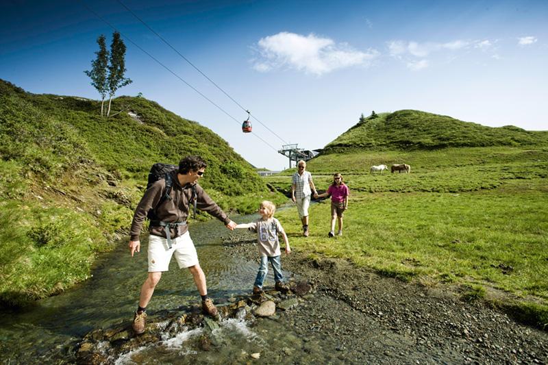 Familienwanderung am Kitzsteinhorn - Familienspaß im Sommerschnee macht es möglich