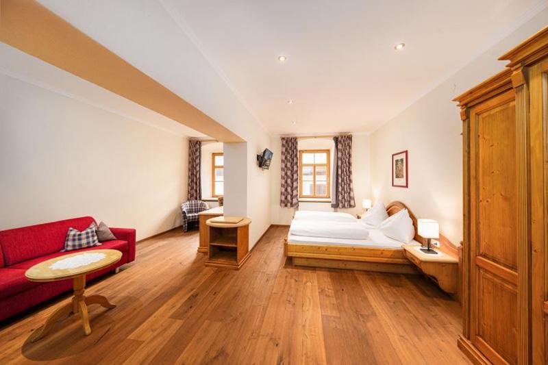 Im Hotel Heitzmann am Stadtplatz gibt es außer Doppelzimmer auch Ferienwohnungen zur Auswahl