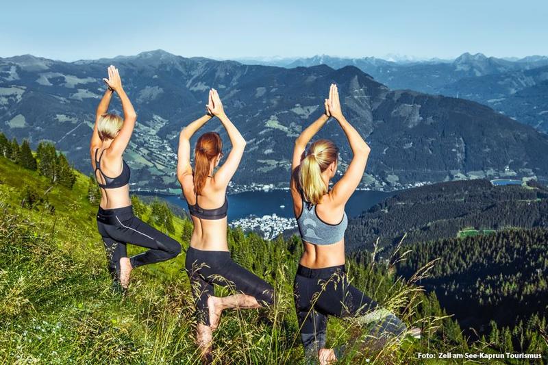 Yoga auf der Schmittenhöhe - grandiose Aussicht garantiert