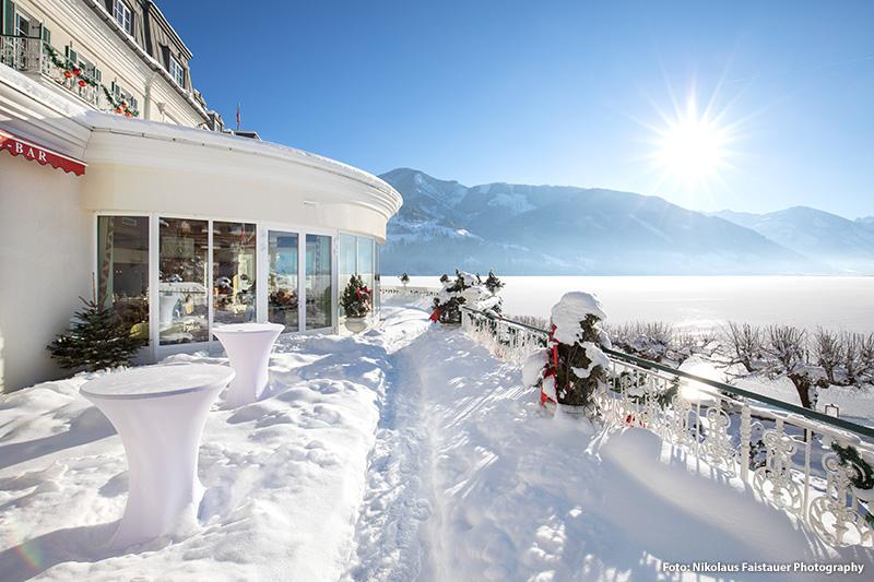 Direkt am Ufer des Zeller Sees befindet sich das Grand Hotel Zell am See