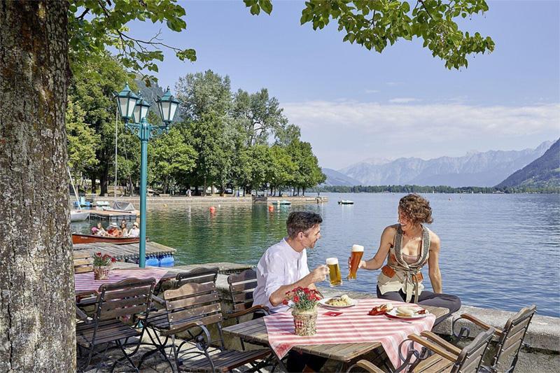 Hausbrauerei & Biergarten am See