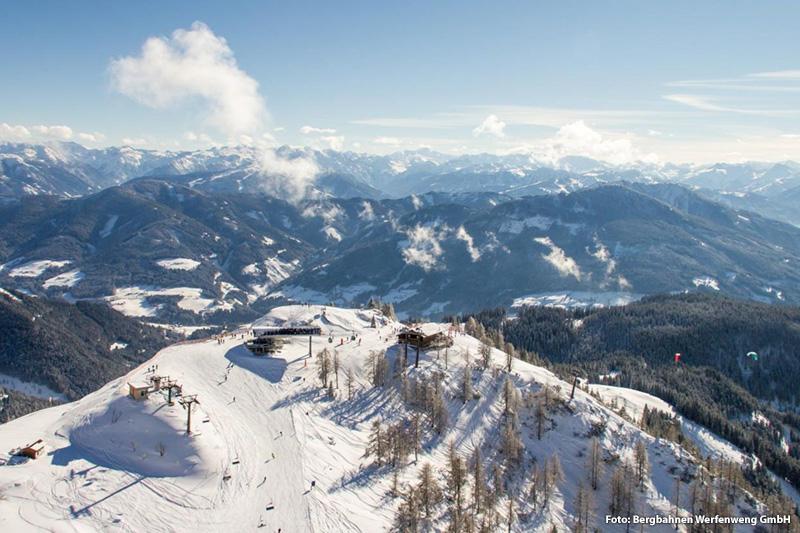 Skiurlaub für die ganze Familie im Skigebiet Werfenweng - hoch hinauf auf rund 1.840 m Höhe