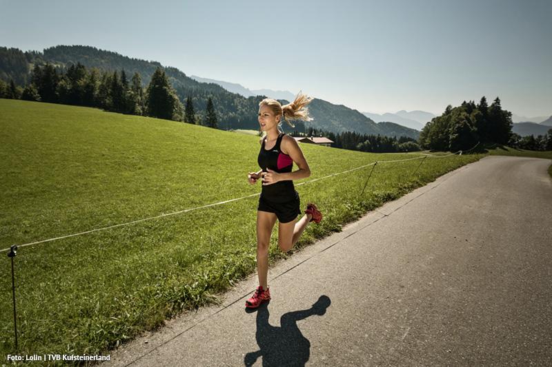 Die Natur laufend erkunden - Kufsteinerland hat eine Gesamtlänge von 300 Kilometern Lauf- und Trailrunningstrecken und gehört somit zu den größten Lauf- und Trailrunning-Region Tirols