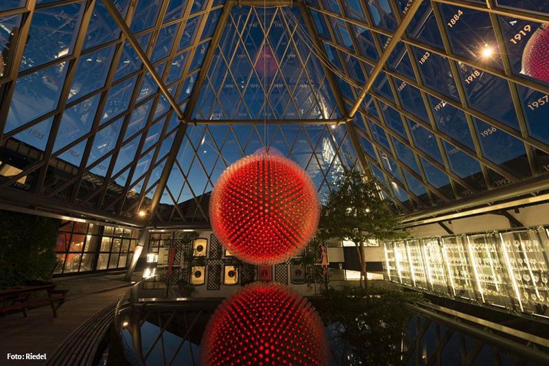 Riedel Glas Pyramide von innen - ein Besuch wert
