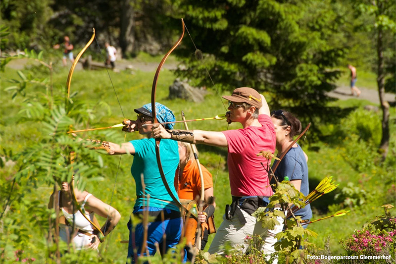 Auf dem Bogenparcours Glemmerhof können Einsteiger sowie für Profis Bogenschießen