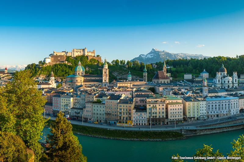 Die Festung Hohensalzburg ist ein echtes Wahrzeichen der Stadt Salzburg - wie in einem Bilderbuch