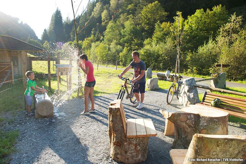 Mountainbikeurlaub mit der Familie und dies in den Bergen ist ein Moment, den man nicht so schnell vergisst. Besonders als Kind nicht.. denn diese schönen Berge sieht man nicht alle Tage