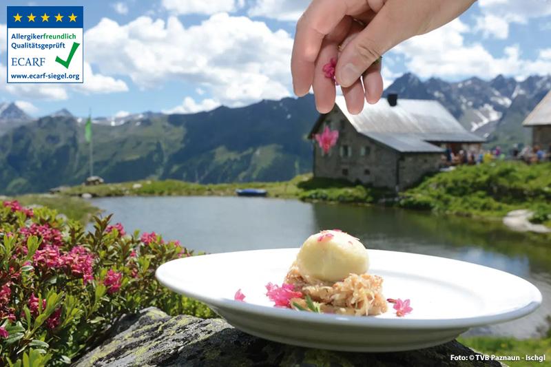 Beim Genuss-Even 'Kulinarischer Jakobsweg' nahe Ischgl werden Genuss und Wandern in Tirol perfekt miteinander verbunden