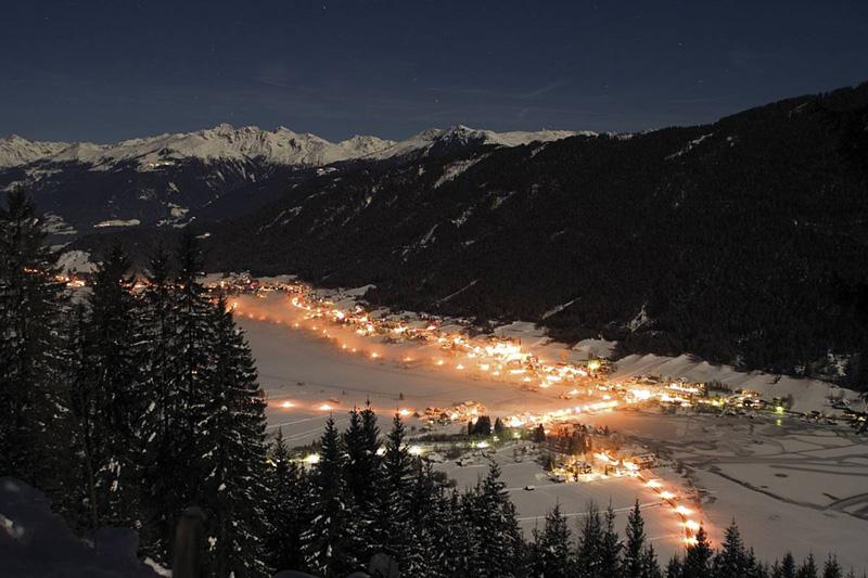 Nagglerhof-Nachtansicht-Weissensee
