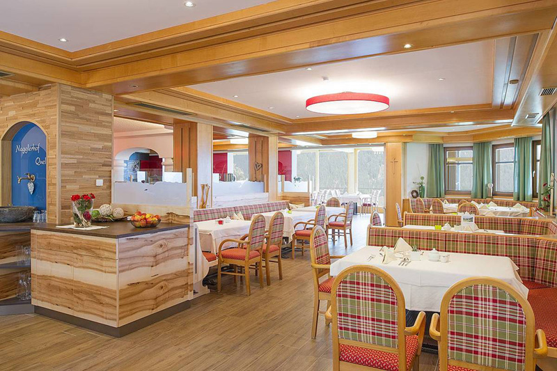Slow-Food-Restaurant mit Panoramablick