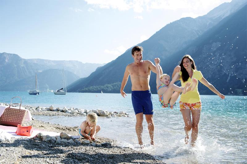 Familien-Badeurlaub am Achensee - Strandbad Pertisau ist ca. 5 Gehminuten erreichbar