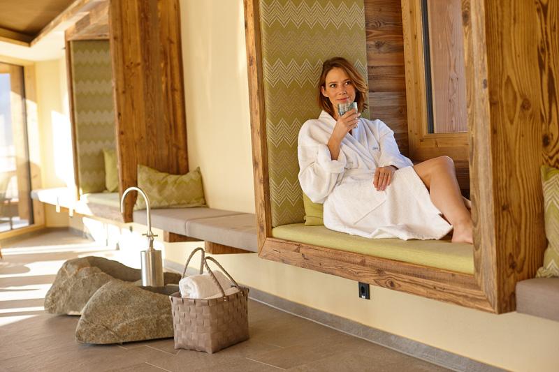 Entspannen im Wellness-Bereich inklusive Therapiezentrum und Hallenbad