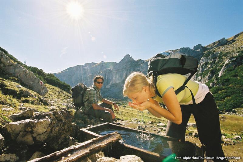 Wanderpause in der Nähe vom Zireiner See im Rofangebirge
