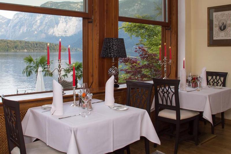 Perfekt in Szene gesetzt ist das herrliche Panorama auch im Restaurant Salzbaron