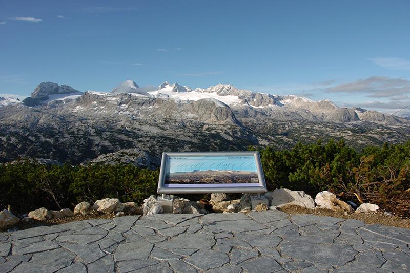Tipp: Wanderweg am Krippenstein mit Blick auf das Dachstein Massiv